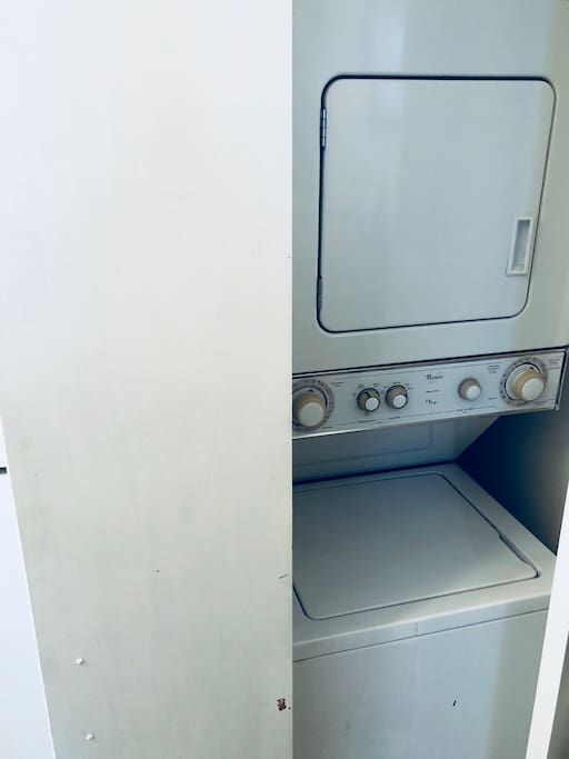 washer & dryer in apartment