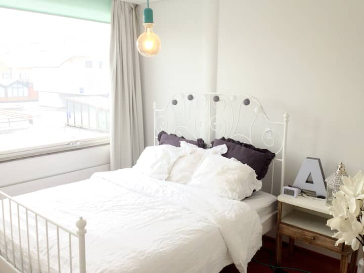 IN THE HEARD OF CITY-CENTER TWO ROOM APARTMENT