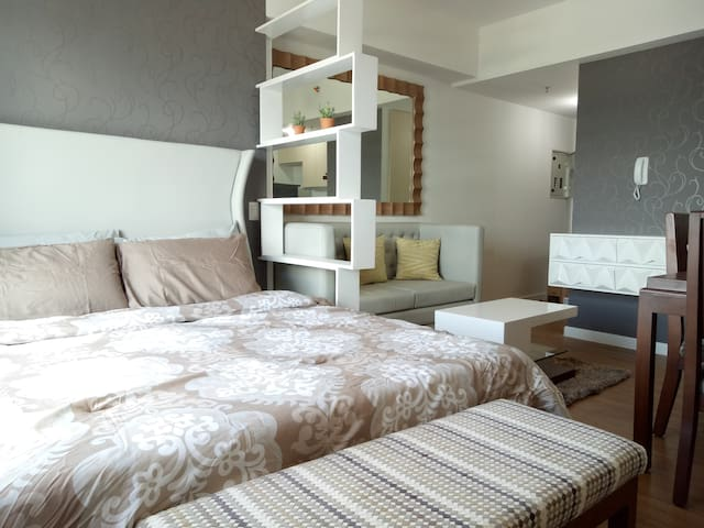 New, Modern,Fully furnished Condo steps to Abreeza