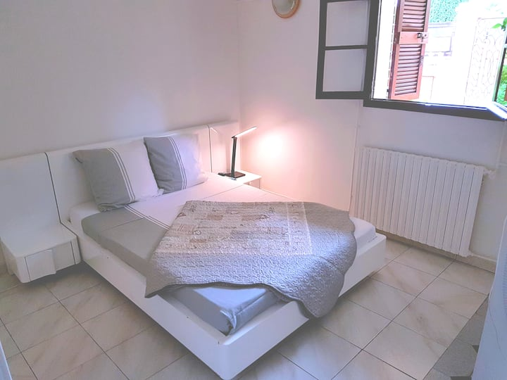 ★ Spacious & Cozy ★ 3 Rooms Flat Near Paris & CDG