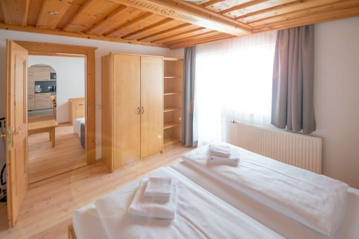 Apartment EVA, 2-4 people very close to Schladming