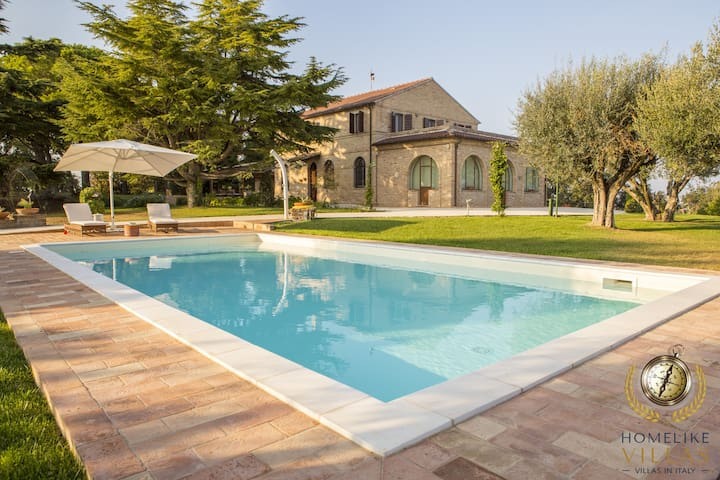 Villa Panperduto, with private infinity pool
