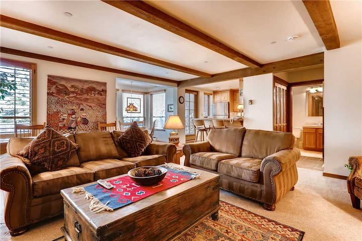 Ski-In, Ski-Out Condo with Garage, Pool, Hot Tub, Gym. Walk to Vail Village | Northwoods A105