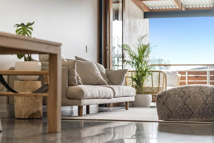 Luxe 1br loft with pool at Habitat, Byron Bay