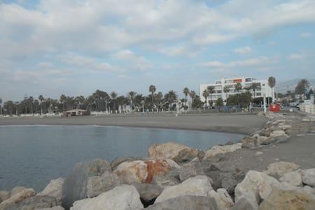 estudio en primera linea de playa - Torre del Mar