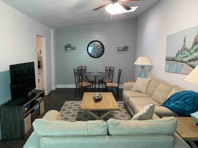 *Tradewinds renovated  1 BR northeast cottage*