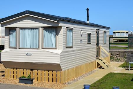 Seafront, Dog Friendly Caravan - Lowestoft