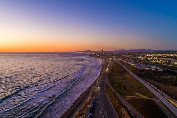 25% OFF THRU DEC! Beautiful Beach Home w/ Spa, Views, Walk to Ocean +Town!