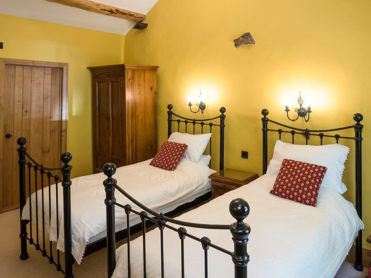 Wasdale - DeluxetTwin bedroom