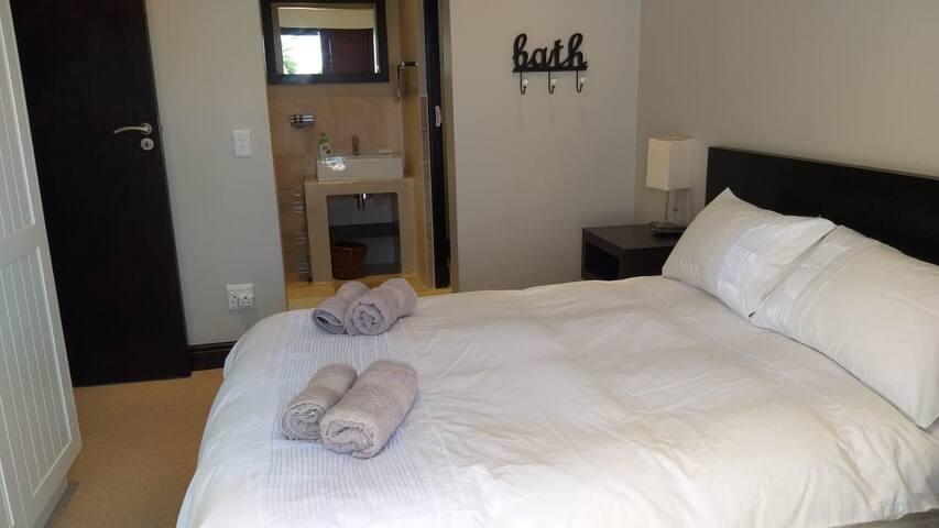 Main bedroom , with en suite.
