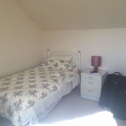 Single room in Cheshire village