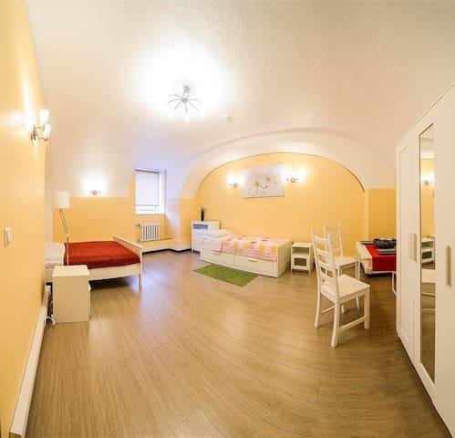 Комната в историческом центре Санкт-Петербурга - Sankt-Peterburg - House