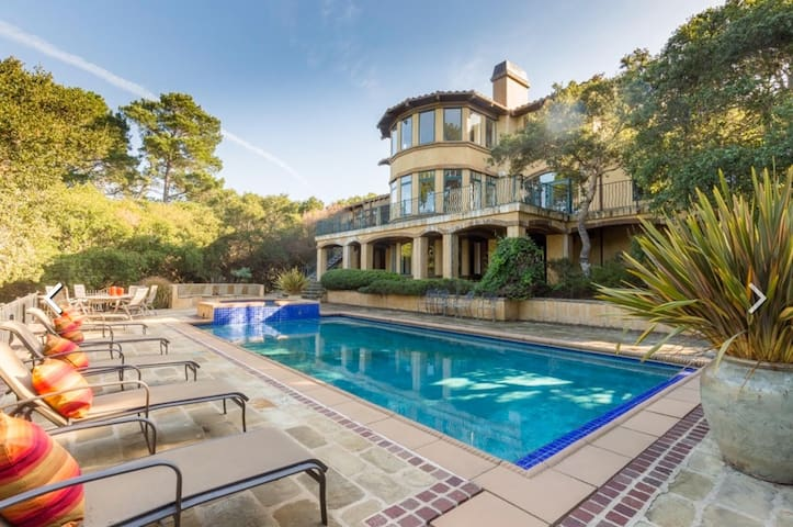 Luxury Villa at the Quail with Pool and Hot tub