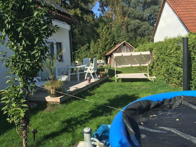 Pool in garden / Pool im Garten