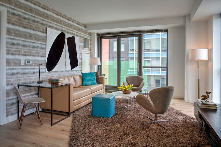 1 Bed with floor-to-ceiling windows