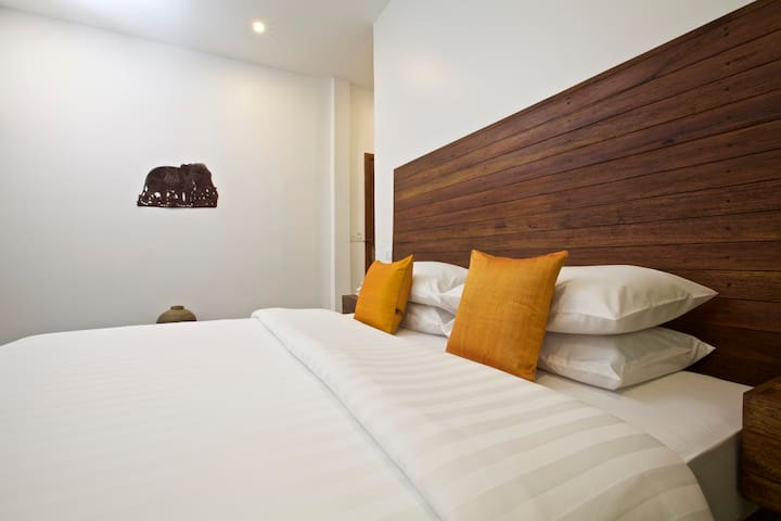 Siem Reap 2King; 4Single Beds-8pax+BF + Pick up - Krong Siem Reap - Bed & Breakfast