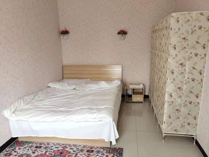 官厅湖附近民宿大床间 干净卫生一客一换观湖游玩休息的理想住所