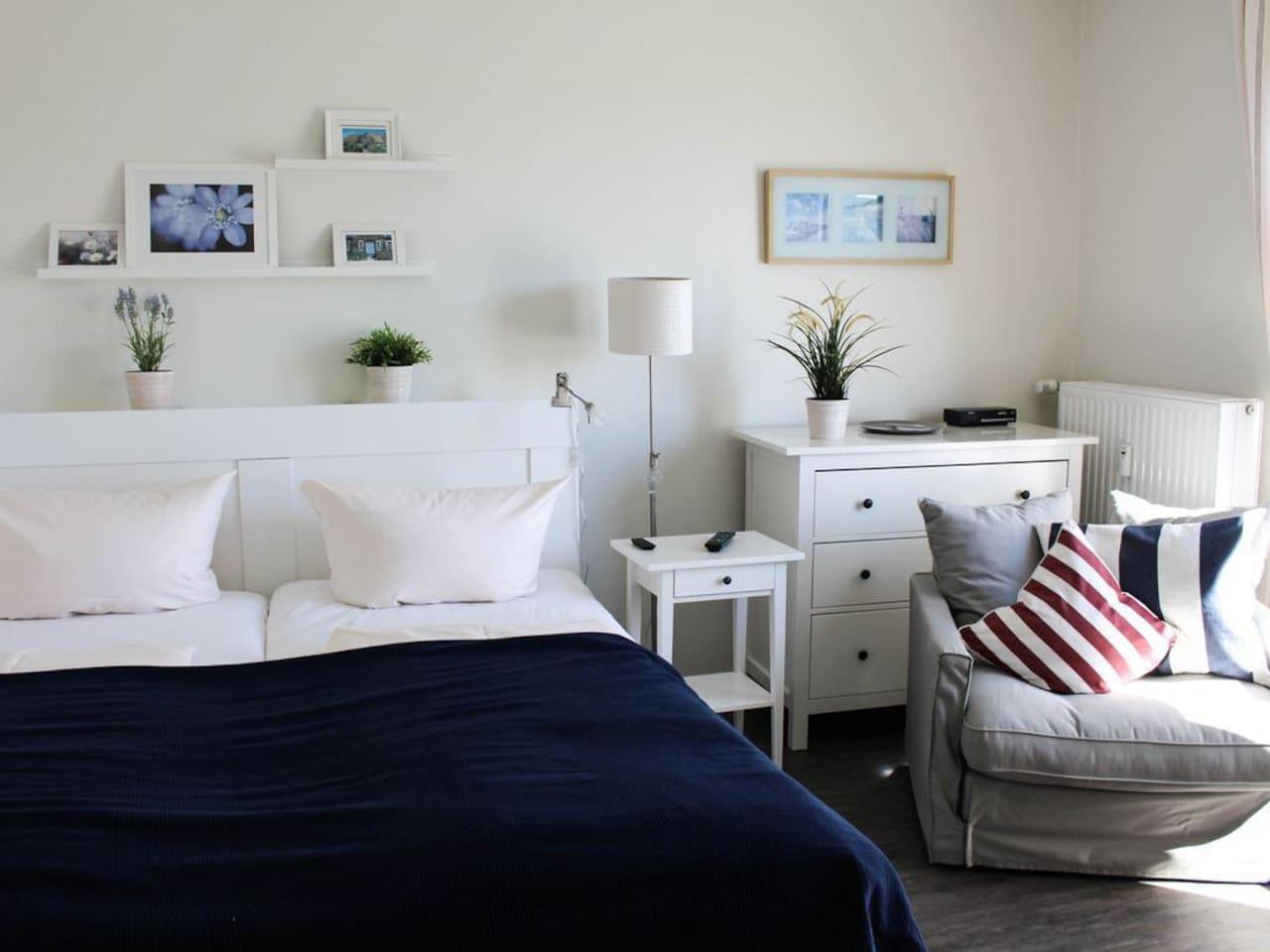 Viel Tageslicht  im Wohn- und Schlafzimmer