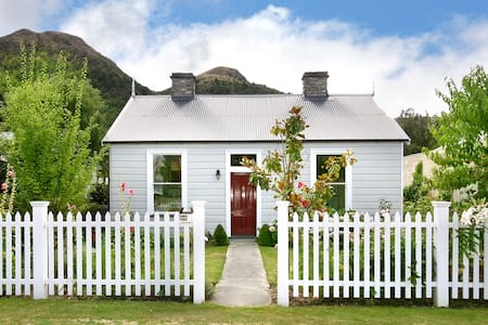Fox's Retreat - Arrowtown