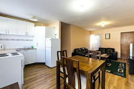 Superbly located 2 bed apartment - Perth - Leilighet