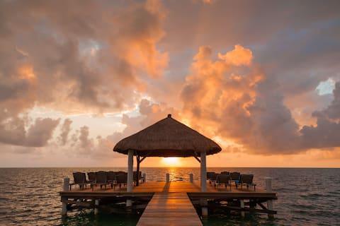 Weezie's Oceanfront Hotel Standard Room