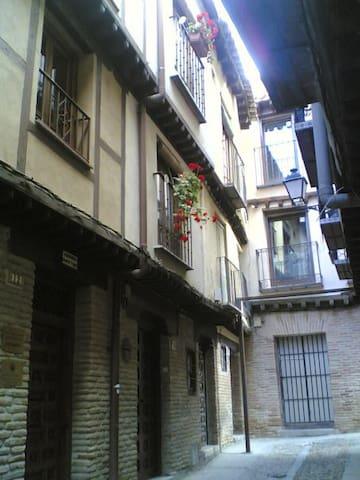 Casa del S. XVI en la Judería de Toledo
