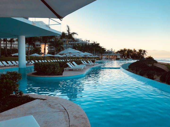 A Relaxing  Vacation- Peninsula Nvo Vallarta 1K