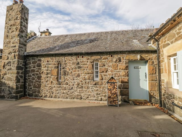 BLANE COTTAGE in Port Bannatyne, Isle Of Bute, Ref 992858