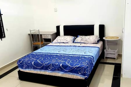 1B HENGLONG GUEST HOUSE(ROOM 3)@SIMPANG RENGGAM