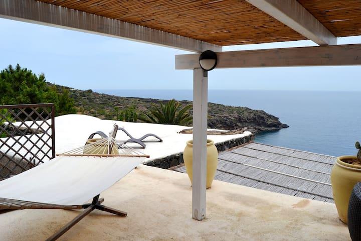 Pleasure in Sunrise - Pantelleria - Vila