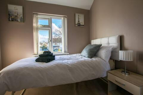 Modern single bedroom in Gloucester