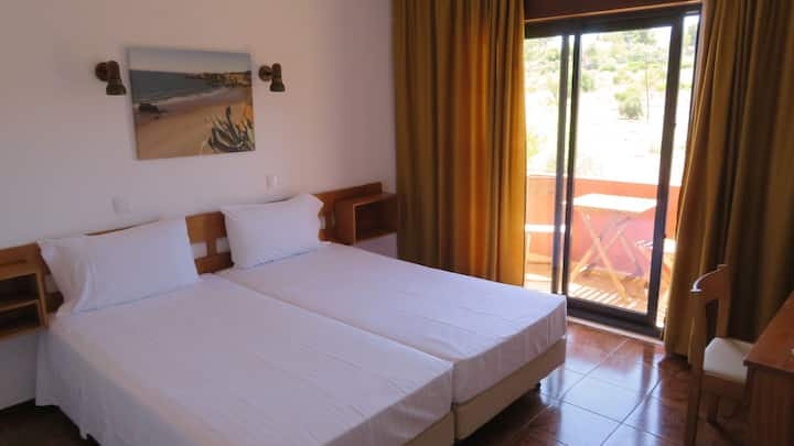 Hotel Alcaide Superior Twin Bed Room