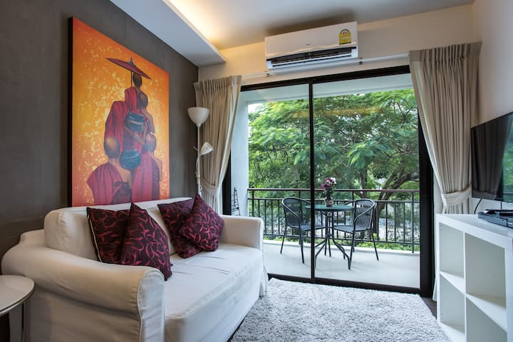Newly decorated 1-B Beachfront Condo, Title, Rawai