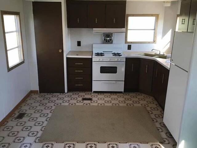 2 bedroom rental no furniture outside city limits