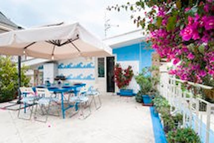 Rooms with terrace downtown and near the sea - Formia - Huis