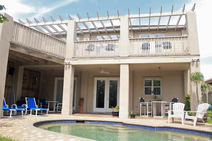 Private home with an amazing pool and backyard!