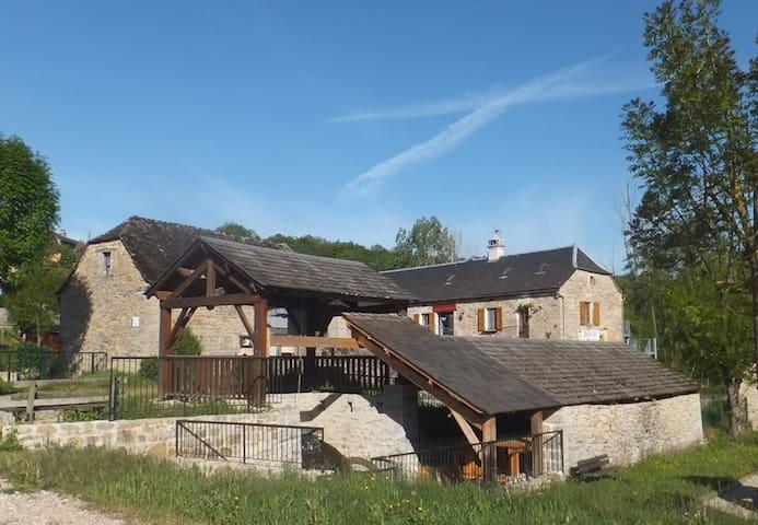 """Auberge du Moulin chambre """"Sauveterre"""" - La Canourgue - Gästhus"""