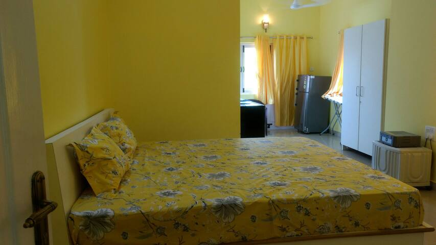 Lemon furnished 1 RK at Calangute - North Goa - Lägenhet