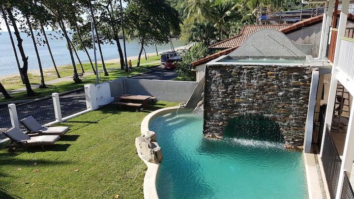 Garden Apartment, Luxury at Trinity Beach House