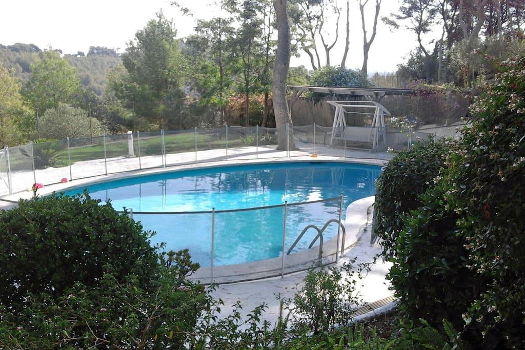 Loft con piscina jard n bbq playa a 5 min lofts for Piscina castelldefels