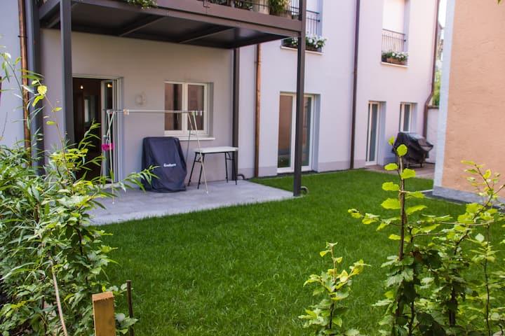 Zimmer in ruhiger Wohnung Zentrum mit Schlossblick