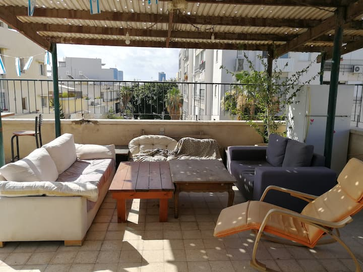 CRAZY ROOFTOP APARTMENT IN THE CENTER OF TEL AVIV