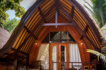 Luckys bungalow&bar(double room) - Bed & Breakfast