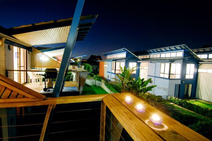 Deluxe Two Storey, One Bedroom Spa Apartment 