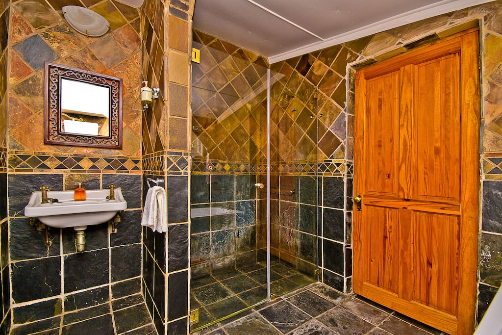 Zareba Guesthouse -  downstairs Ensuite bathroom with large shower