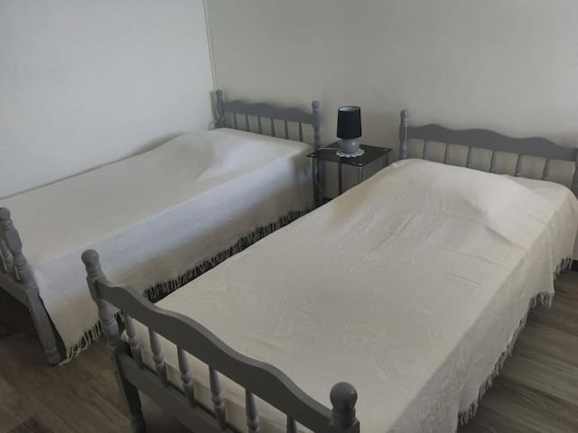 Chambre lits simple jumelable
