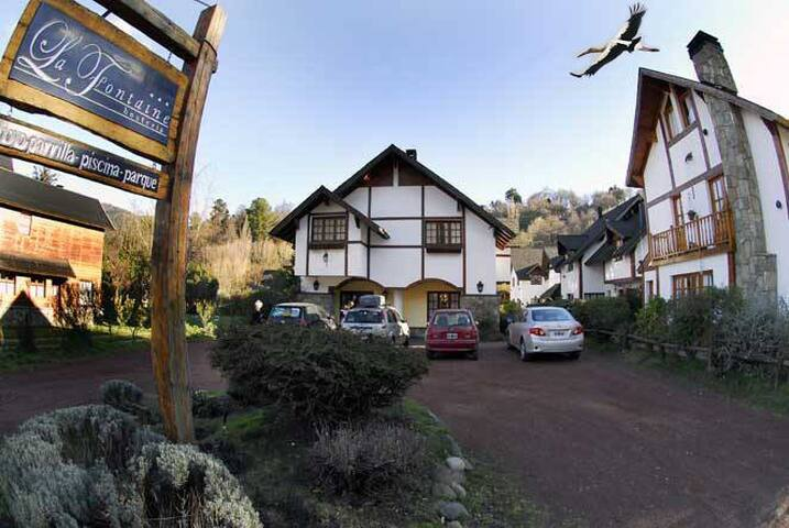 Típica Hostería Patagónica arroyo y restaurant. - San Martin de los Andes - Boutique hotel
