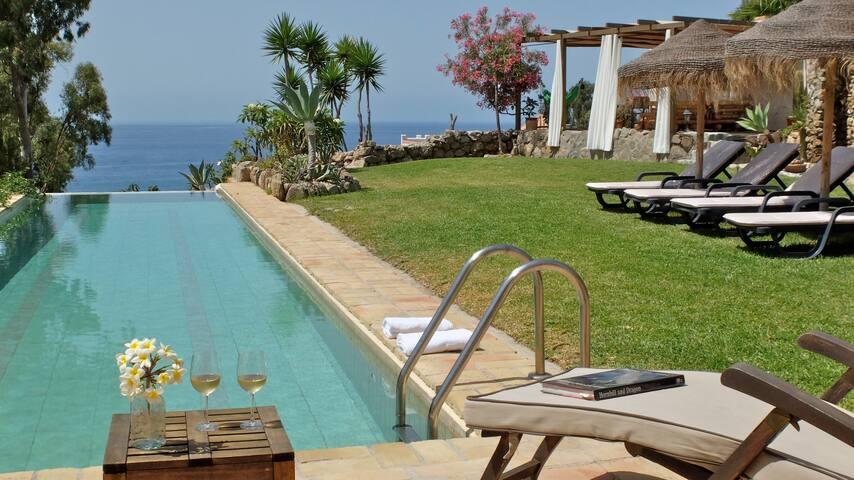 Villa ALBAIDA 8. Paradise by the Mediterranean.