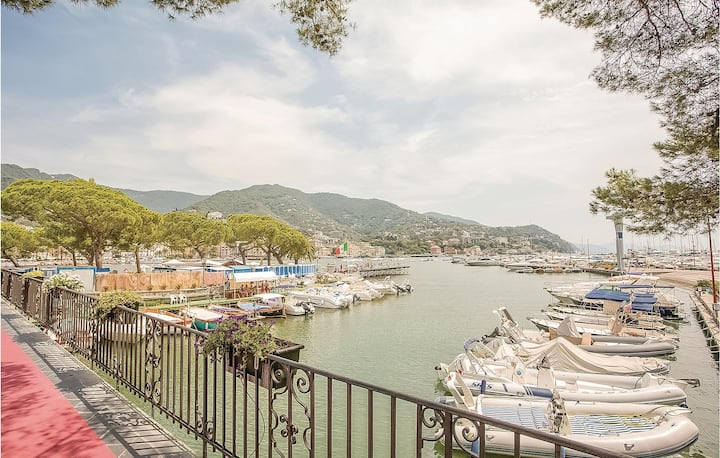 Amazing home in Rapallo (GE) with WiFi and 1 Bedrooms