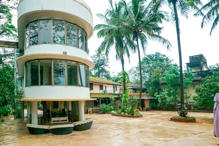 4BHK Villa,heated plunge pool, ample outdoor space - Banglo